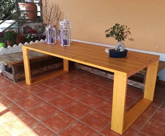 Τραπέζι από πεύκο πλανισμένο
