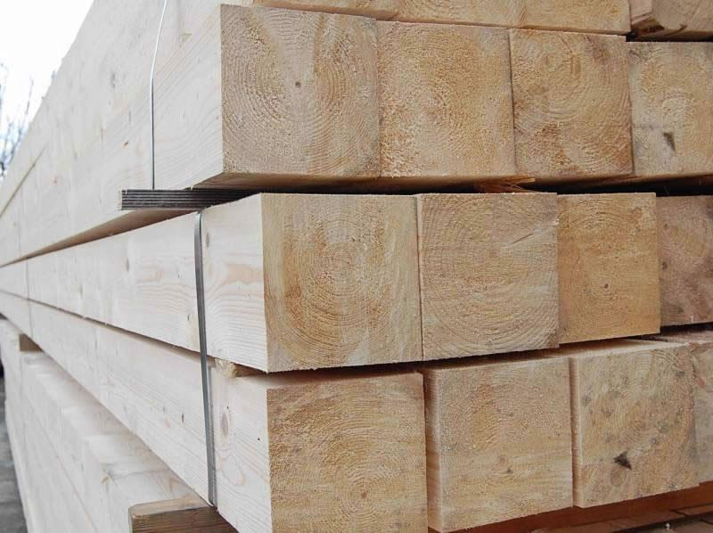 Πριστή ξυλεία δοκάρια