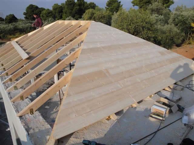 Κατασκευή στέγης με δοκάρια & πέτσωμα με ταβάνι Ζ