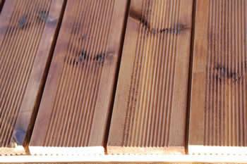 Deck με εμποτισμένη ξυλεία
