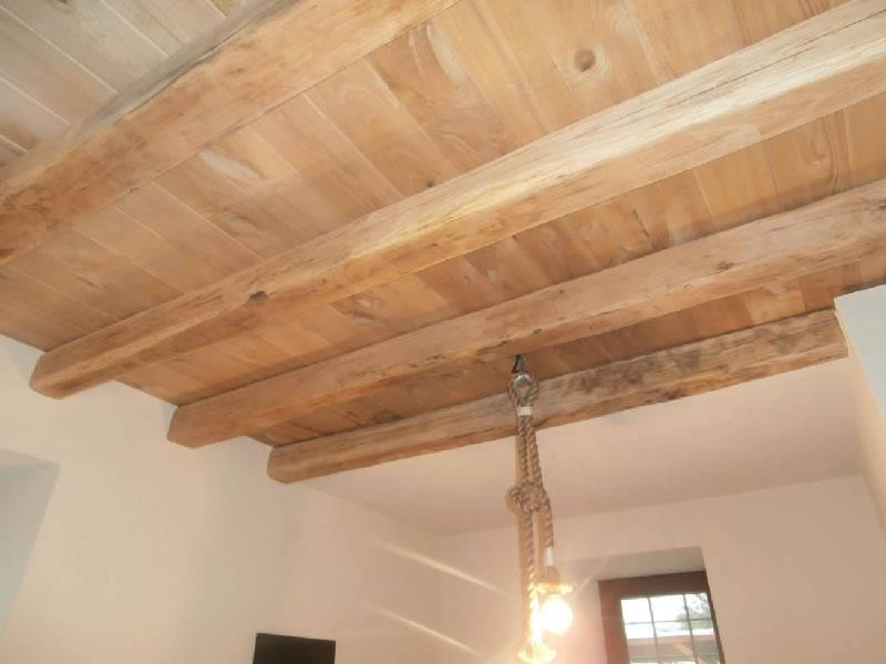 Ξυλεία Στέγης Καστανιάς σε δοκάρι & ταβάνι